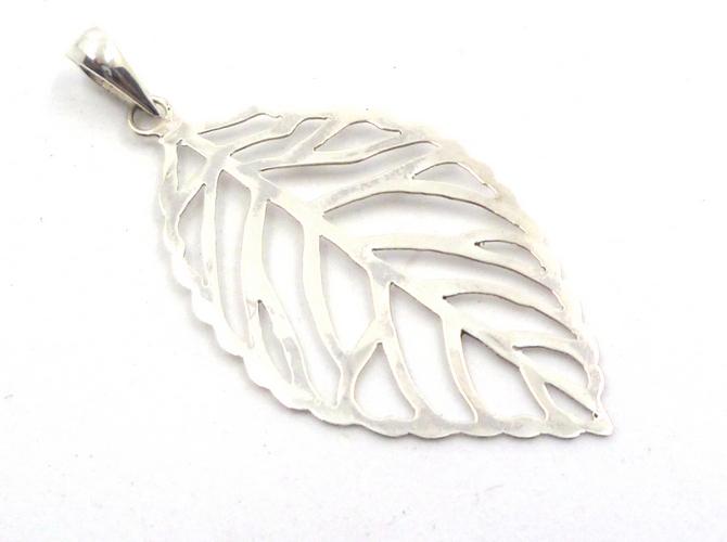 Sterling Silver Leaf Pendant (L)