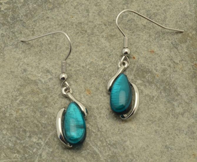 Pebble Shell Earrings